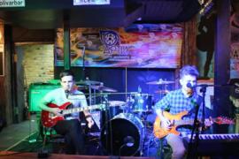 Концерт Артис в Боливаре, guitar cover Wish you were here