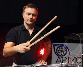 Преподаватель центра исскуств Артис - Денис Василевский