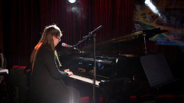 Центр искусств Артис — обучаем игре на фортепиано