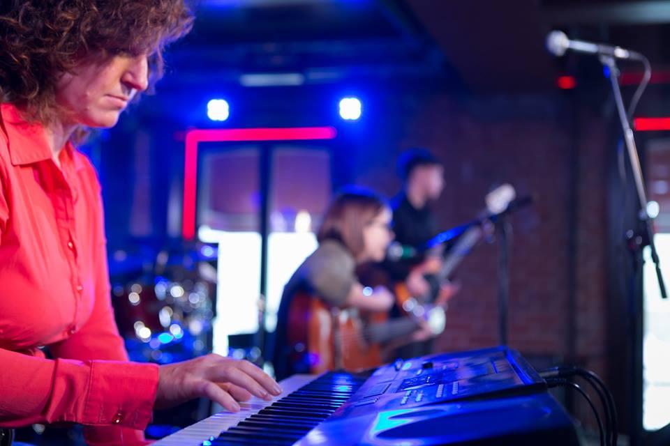Центр искусств Артис - обучаем игре на фортепиано