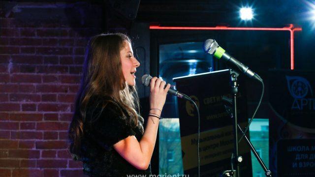 Класс вокала — ученица Светлана Роднова
