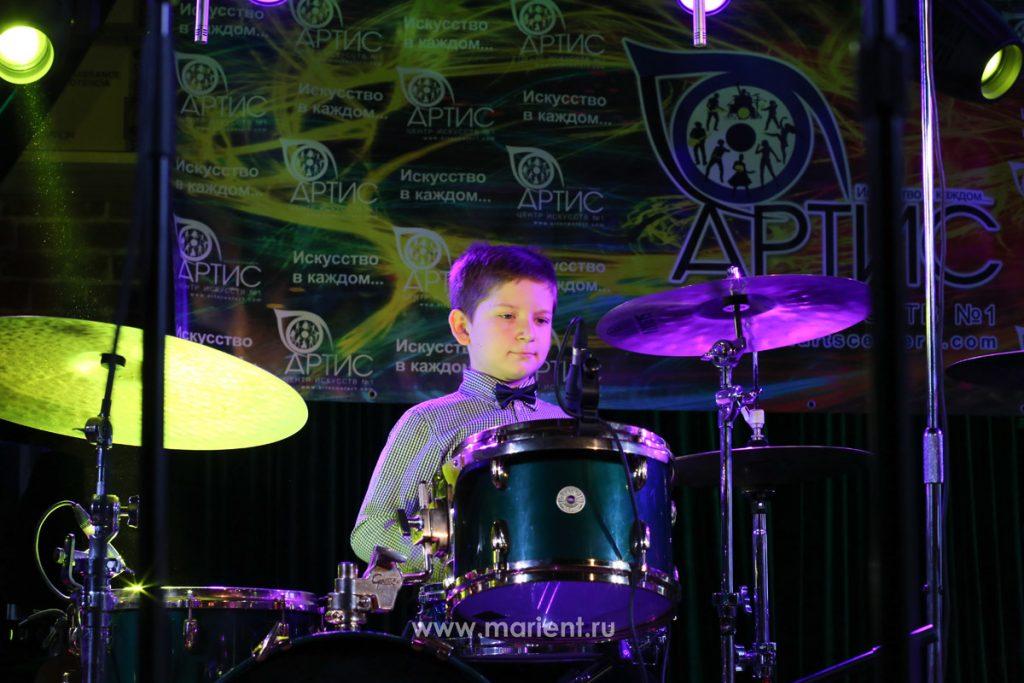 Выступление Егора Олексиенко на концерте Центра искусств Артис